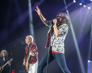Kelly Hansen, lead singer of Foreigner