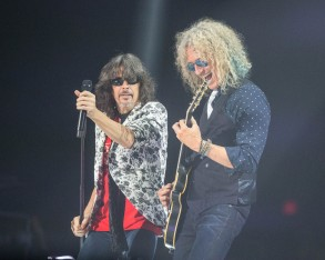Kelly Hansen and Bruce Watson of Foreigner