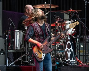 Dorian Heartsong, bass guitarist of Jason Bonham's Led Zeppelin Experience