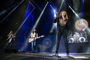 Whitesnake performing at Starlight Theatre in Kansas City, Missouri on July 17, 2018