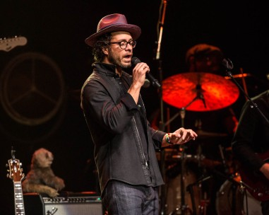 Amos Lee performing at Uptown Theater in Kansas City, Missouri, on March 26, 2019.
