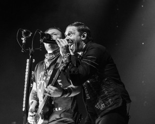 Brent Smith and Zach Myers of Shinedown