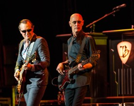 Guitarist Joe Bonamassa and bass guitarist Michael Rhodes